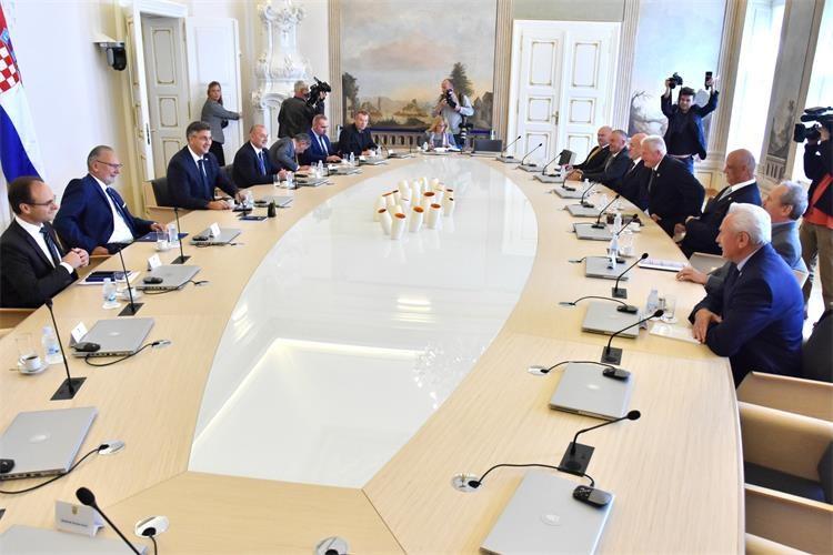 Predsjednik Vlade Andrej Plenković primio predstavnike Hrvatskog generalskog zbora